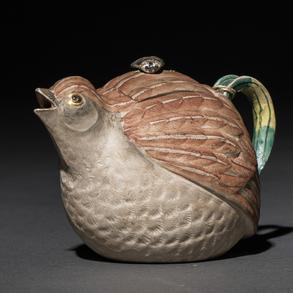 Tetera Japonesa en forma de ave en porcelana. Trabajo Japonés, Siglo XIX