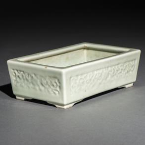 Jardinera rectangular en porcelana china de celador. Trabajo Chino, Siglo XIX-XX
