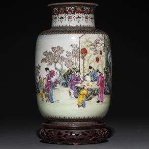 Jarrón en porcelana china. Trabajo Chino,. Siglo XX
