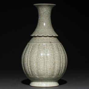 Jarrón en porcelana China craquelada. Trabajo Chino, Siglo XIX-XX