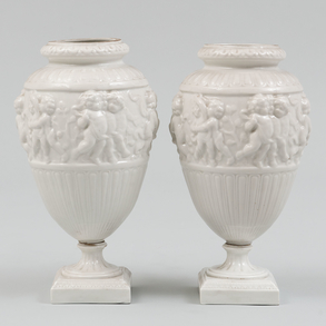 Pareja de copas en porcelana Capo Di Monti, Siglo XIX