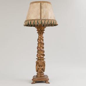 Columna salomónica adaptada como lámpara de pie en madera estucada y dorada. Finales del Siglo XIX-XX