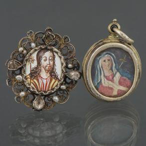 Conjunto de dos relicarios en plata del siglo XVIII