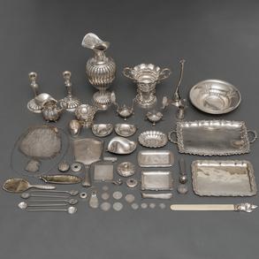 Miscelánea de piezas de plata española punzonada del siglo XX