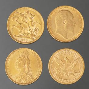 Conjunto de cuatro monedas en oro amarillo de 22 Kt.