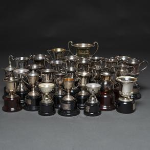 Conjunto de 28 trofeos en plata española punzonada. Siglo XX.