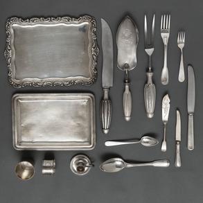 Miscelánea  de piezas de plata española punzonada . Siglo XX