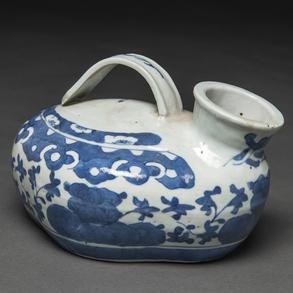 Calentador en porcelana china azul y blanca. Trabajo Chino, Siglo XVIII