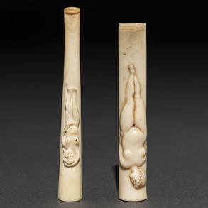Conjunto de dos boquillas eróticas en marfil. Trabajo Francés, Siglo XIX