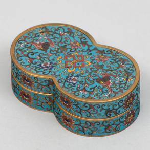 Caja China en esmalte cloisonné. Trabajo Chino, Siglo XIX-XX