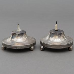 Pareja de candeleros para vela en plata española y punzonada del siglo XIX