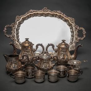 Juego de Café y Té en plata española y punzonada. Siglo XX
