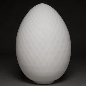 Lámpara de sobremesa en forma de huevo en cristal de Murano. Trabajo Italiano, Años 80.