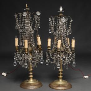 Pareja de Girándoles de cinco luces en cristal y bronce dorado. Trabajo Francés, Siglo XIX