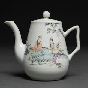 Tetera en porcelana china familia rosa .Trabajo Chino, Siglo XIX