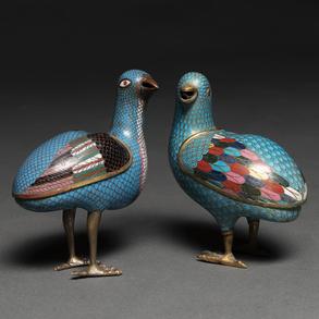Conjunto de dos codornices en esmalte cloisonné. Trabajo Chino, Finales del Siglo XIX-XX