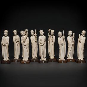 Importante conjunto de nueve Inmortales en marfil tallado. Trabajo Chino, hacia 1900-1920