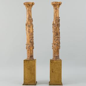 Pareja de columnas en madera tallada y dorada. Trabajo Español, Siglo XVIII