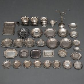 Miscelánea de piezas de plata española y punzonada. Siglo XX, Ley, 925.
