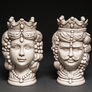 Pareja de maceteros en cerámica de Bassano producción limitada realizada a mano. Italia, h.1970