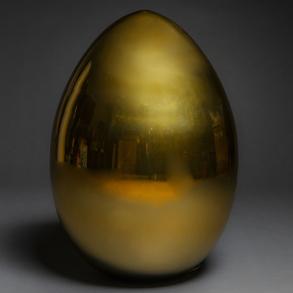 Lámpara en forma de huevo en cristal de Murano color dorado. Trabajo Italiano, h. 1970