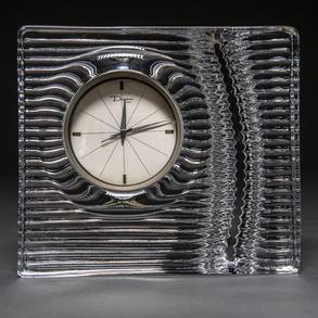 Daum Francia - Reloj de sobremesa en cristal. Siglo XX