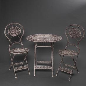 Conjunto de mesa y dos sillas plegables realizadas en metal pintado. Siglo XX