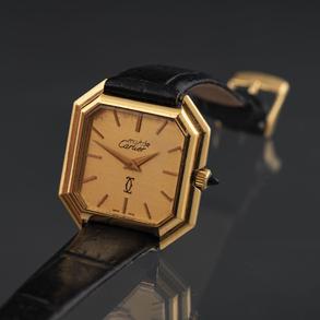 Reloj Cartier Must de Cartier con caja poligonal en oro amarillo de 18kt.
