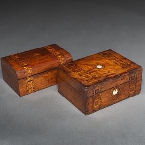 Conjunto de dos cajas en madera de raíz. Finales del Siglo XIX