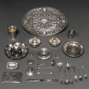 Miscelánea de piezas de plata española punzada. Siglo XX